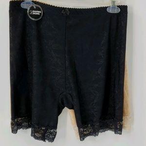 2 women's shaping shorts, Delta Burke 2X